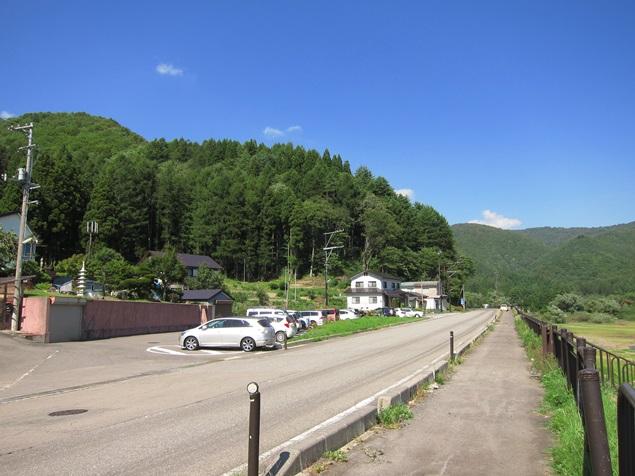 23_湖畔の道.JPG